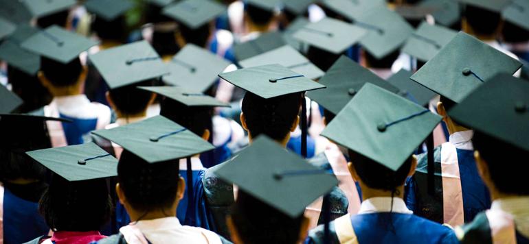 ENSEIGNEMENT : Les jeunes diplômés inégalement valorisés sur le marché de l'emploi