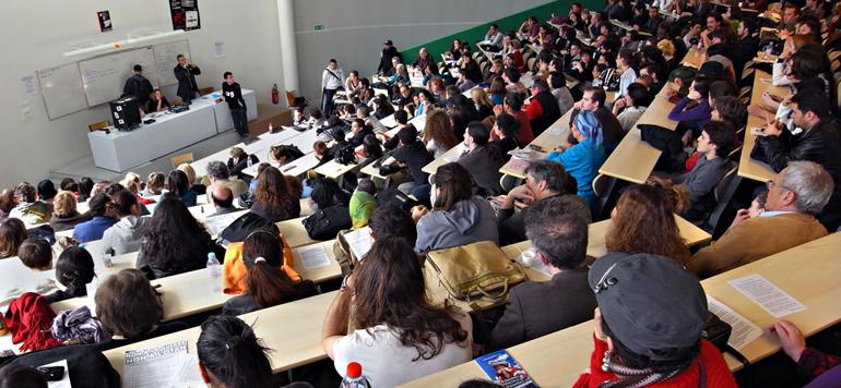 Plus de 32 000 élèves et étudiants suivent l'enseignement traditionnel