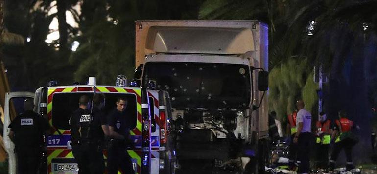 Vidéo : le moment où un camion a tué plus de 70 personnes à Nice