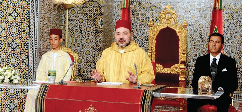 Le Roi condamne fermement le terrorisme dans un discours mondialement salué