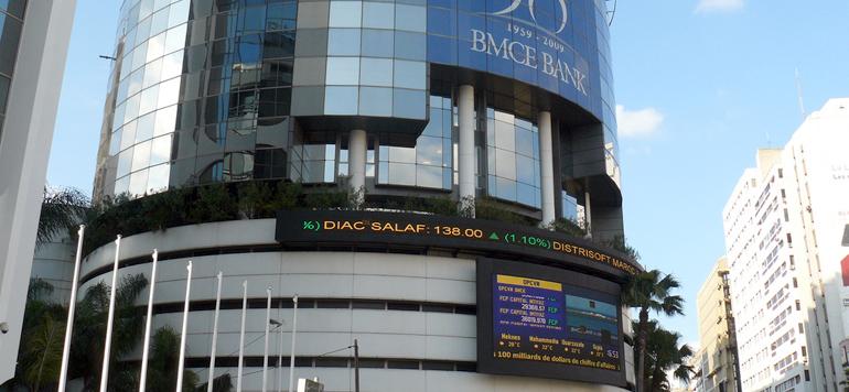 BMCE Capital préconise de vendre Ennakl Automobiles et de conserver Maroc Telecom
