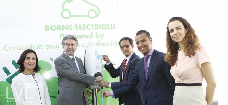 Shell installe les premières bornes pour voitures électriques
