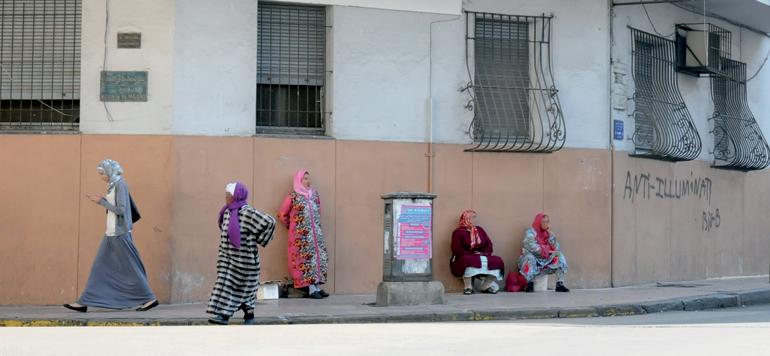 Femmes du «moukef» : une corvée quotidienne pour un salaire modique