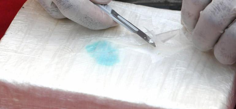Tanger Med: Saisie de plus de 15 kg de cocaïne et de 10 kg d'héroïne à bord d'un autocar venant de Belgique