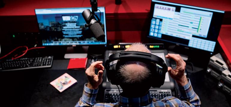 Les émissions interactives, nouveau champ de bataille des stations radio