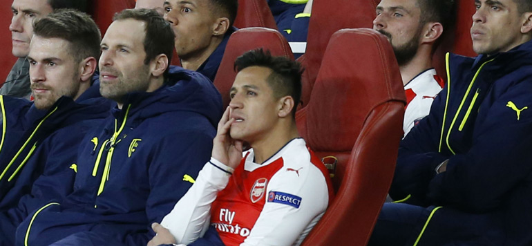 Vidéo : Sanchez surpris en train de se marrer pendant la correction d'Arsenal (5-1)