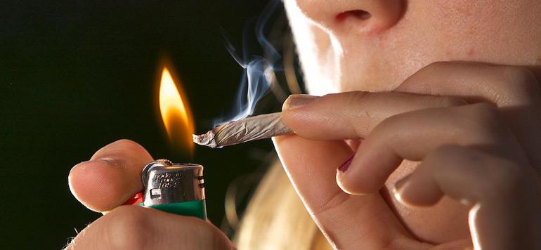 Drogues : Un tiers des consommateurs sont des femmes