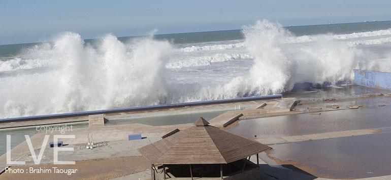 Diapo : Le spectacle des grosses vagues de Ain Diab
