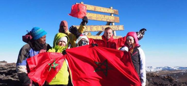 Le drapeau marocain, hissé au sommet de Kilimandjaro en Tanzanie