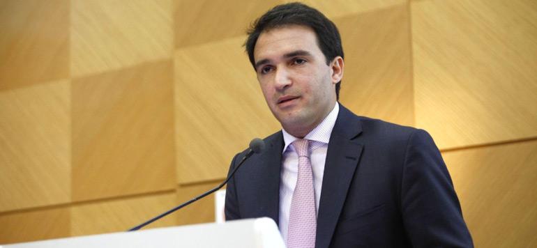 Mehdi Tazi se met à l'intermédiation en assurance
