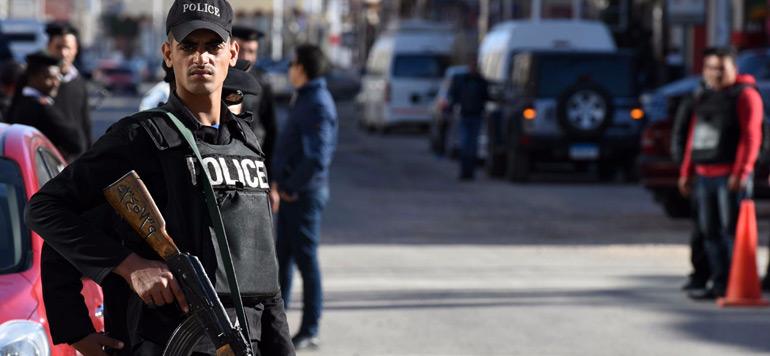 Égypte: Trois policiers tués dans une attaque au Caire