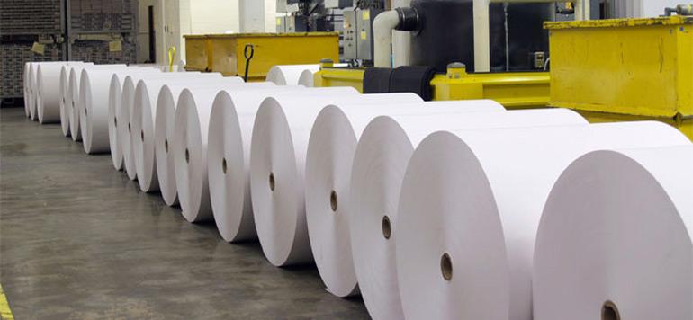 Papier et carton : le secteur n'a pas profité de l'interdiction des sacs en plastique