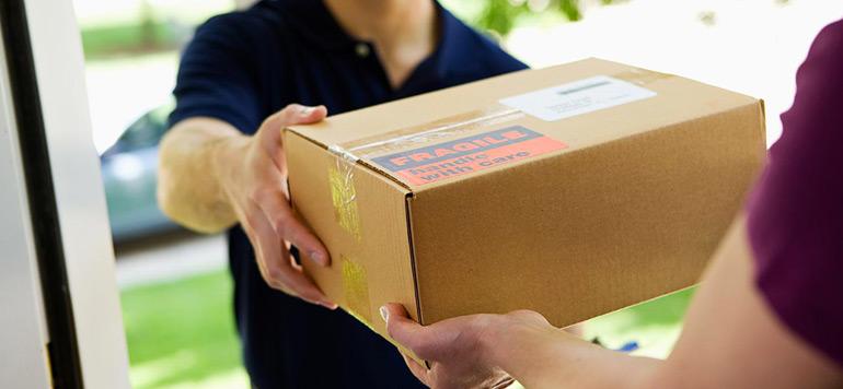 E-commerce : comment le monopole de la Poste sur les petits colis est contourné