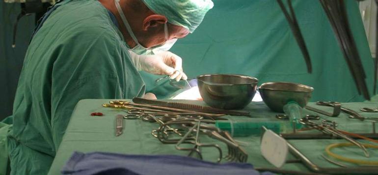 Médecine: Opération réussie de réimplantation d'une main à Fquih Ben Salah