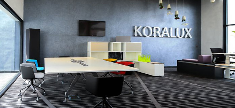 Mobilier de bureau : Koralux bouscule la hiérarchie sur le haut de gamme