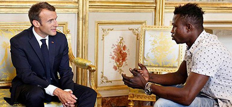 France : le «héros» malien sans papiers reçu à l'Elysée