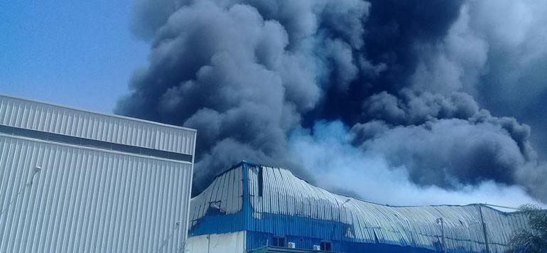 Incendie dans un entrepôt logistique multi-clients à Mohammedia (photos et vidéos)