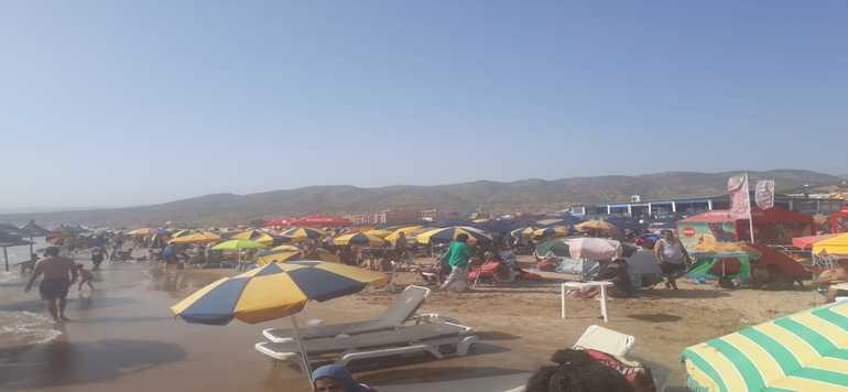 Les plages du Nord d'Agadir prises d'assaut par les touristes nationaux