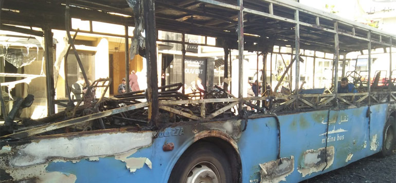 En Photos/Vidéo. Un bus prend feu à Casablanca